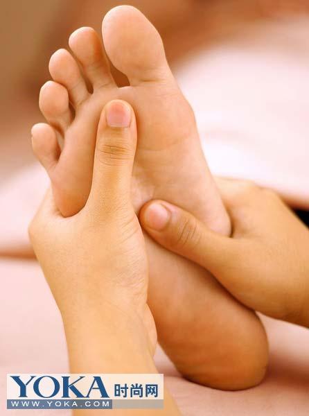 每天揉搓脚趾2分钟 月瘦10斤